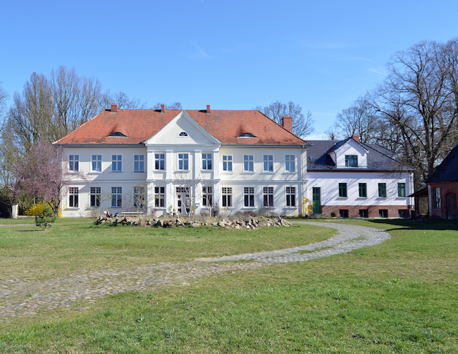 The Curious Loop Educational Residency (Perleberg, Germany) – Call For Artists